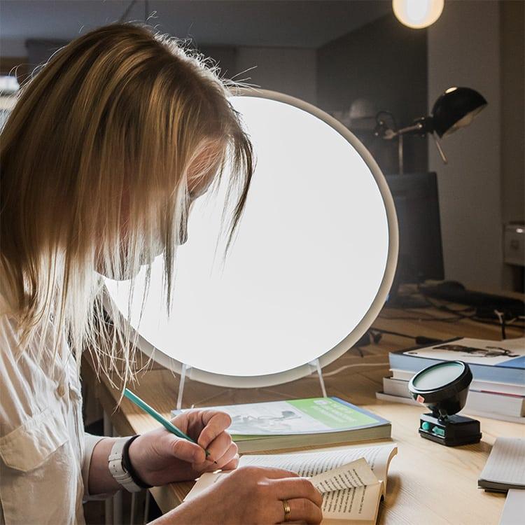 Luminoterapia y técnicas de estudio, el baño de luz para la mejora de la capacidad cognitiva
